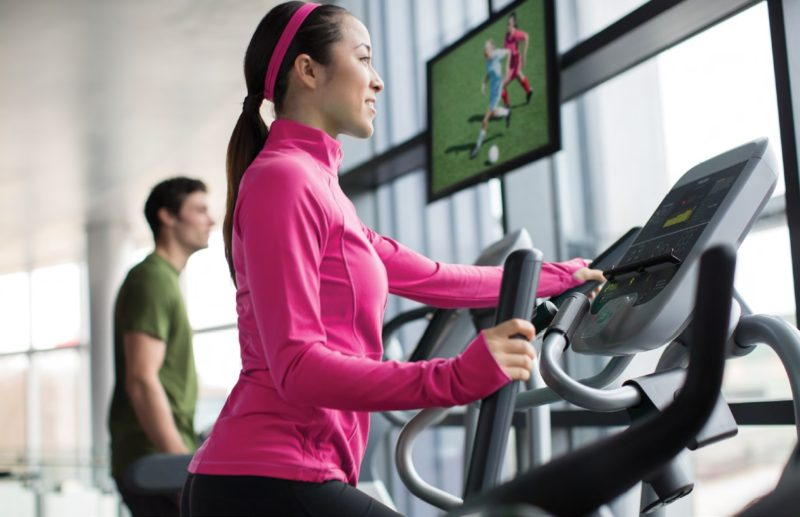 EFX 536i Elliptical Fitness Crosstrainer™ mujerImagen
